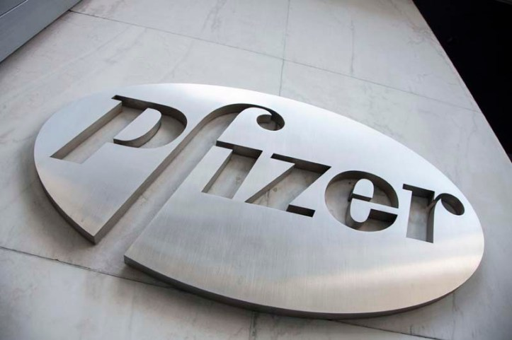 The Pfizer Inc logo is seen at their world headquarters in New York on April 28, 2014. Photo: Reuters/ File
