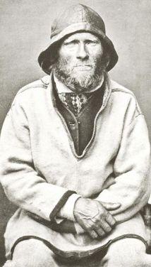 320px-Sjøsamisk_Mann_Finnmark_Norge_Ivar_Samuelsen_1884_av_Bonaparte